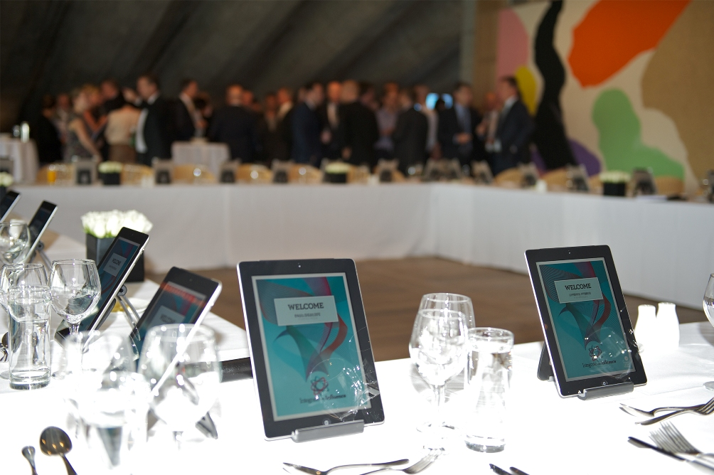 7 Aspects To Use iPad In Business Meetings and Conferences